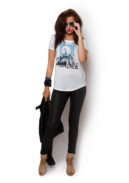 I'm still alive - Girl Blue